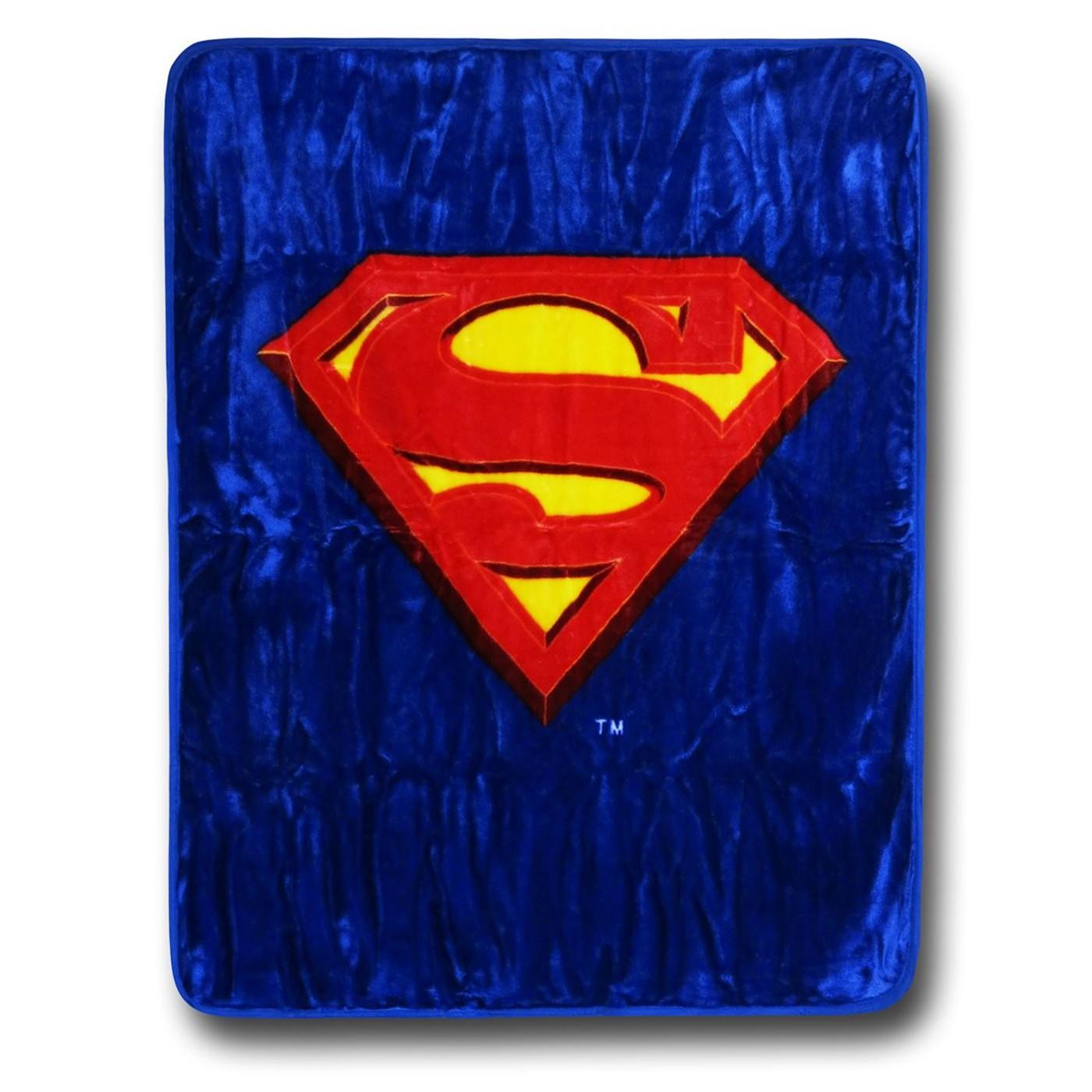 Superman Symbol Luxury Plush Blanket